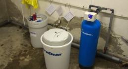 Dávkovač chemií a změkčení vody AquaSoftener