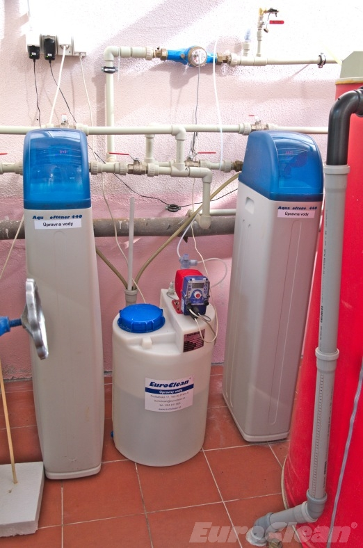Aquasoftener - duplex - paralelní zapojení pro nepřetržitou úpravu vody i v době regenerace + dezinfekce vody Aquados