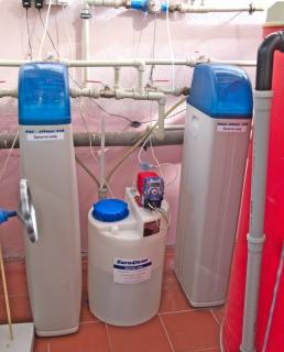Změkčení vody AquaSoftener a dávkování chemií