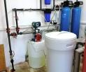 Úpravny vody AquaSoftener pro změkčení vody společně s dávkovacím zařízení AquaDos pro likvidaci bakterií