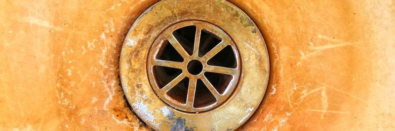 Železitá voda na sanitě